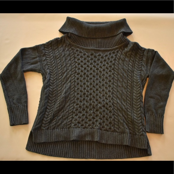 American Eagle Outfitters Turtleneck Sweater